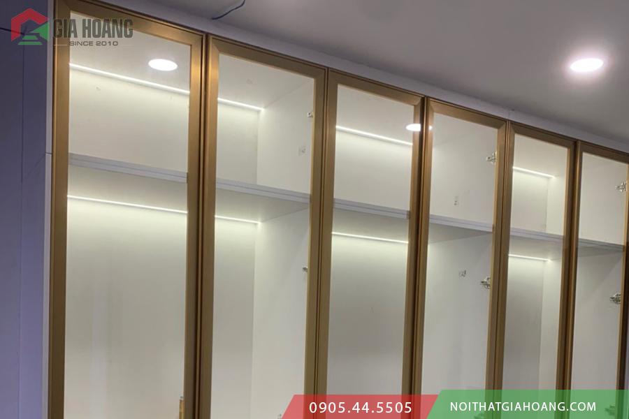 Tủ cánh kính gia công tại nội thất Gia Hoàng