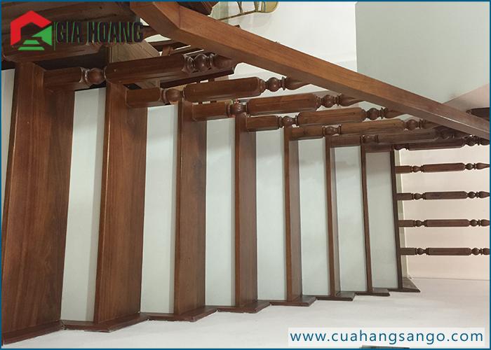 Bậc cầu thang gỗ Óc Chó - Công trình thực tế