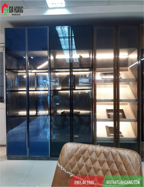 Cánh kính tủ áo lắp đặt thực tế cho tủ trang trí - Nội thất Gia Hoàng