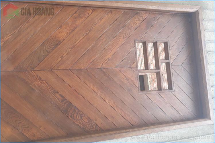 Cửa gỗ Tần Bì tự nhiên
