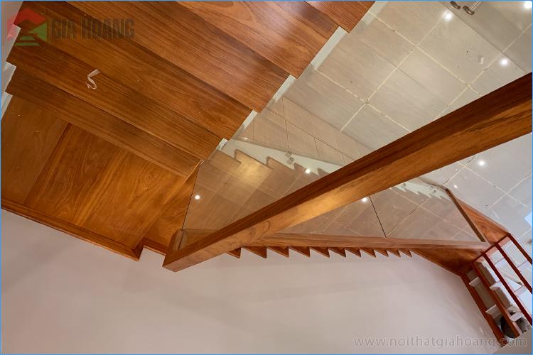 Cầu thang ốp gỗ Gõ Đỏ Nam Phi - Gia Hoàng.,Ltd