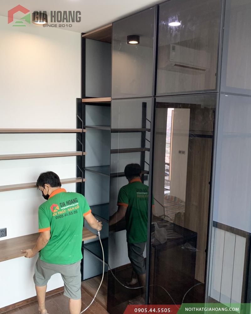 Gia công lắp đặt tủ cánh kính cao cấp Gia Hoàng tại quận 2 HCM