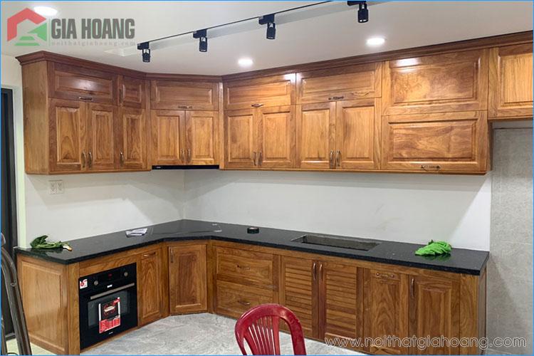 Công trình tủ bếp gỗ Gõ Đỏ Nam Phi thực tế
