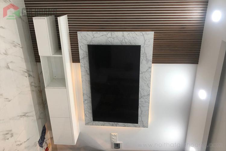 Kệ tivi treo tường gỗ công nghiệp Acrylic