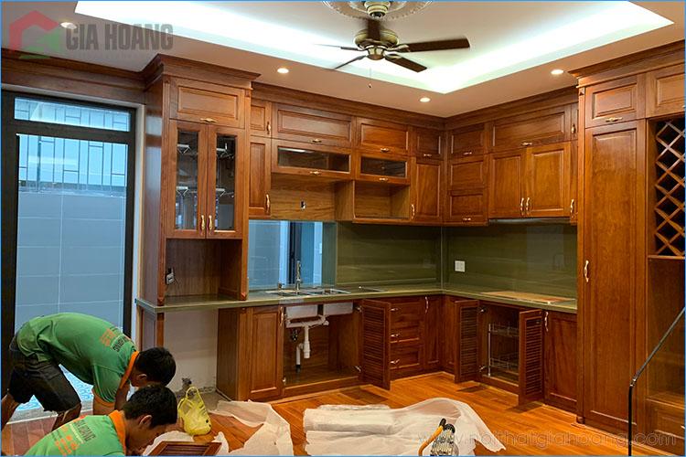 Thiết kế và thi công tủ bếp gỗ Gõ Đỏ tự nhiên