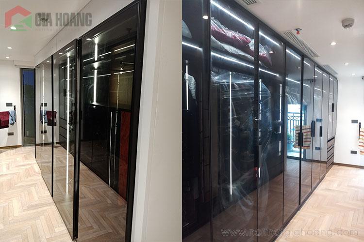 Mẫu tủ cửa kính khung nhôm hiện đại thiết kế âm tường