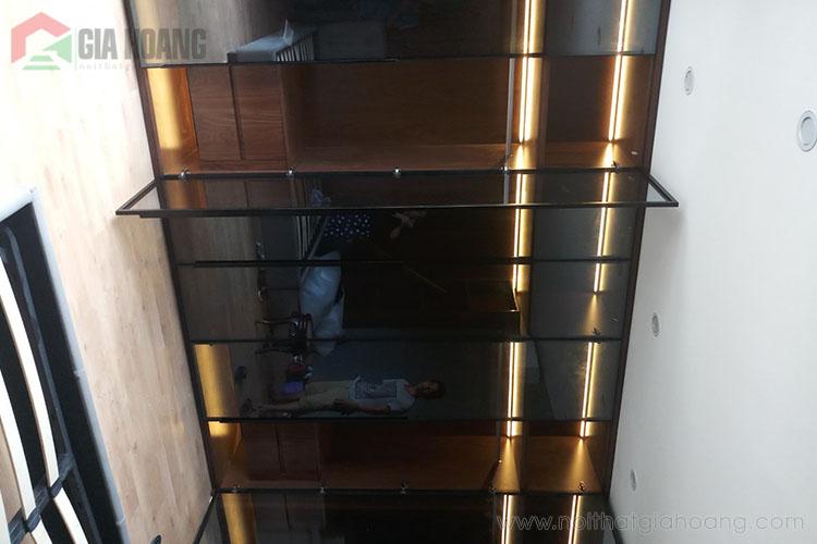 Thiết kế tủ kịch trần cửa kính khung nhôm
