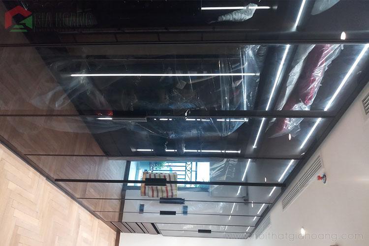 Thiết kế hiện đại của mẫu tủ âm tường kịch trần