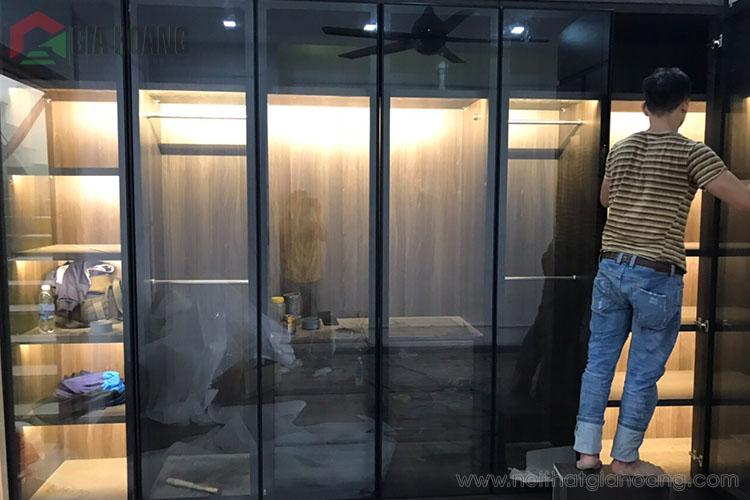 Thiết kế tủ quần áo kinh nhôm hiện đại 2020