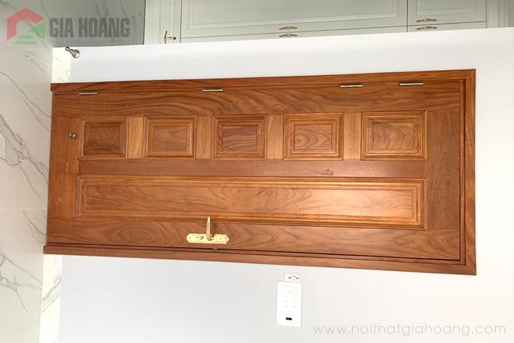 Bề mặt cửa gỗ Gõ gia công đẹp mắt