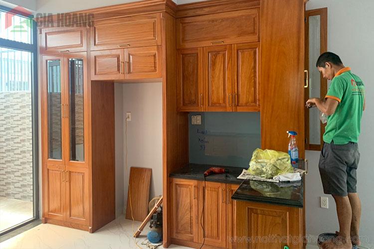 Mẫu nội thất tủ bếp gỗ Gõ cao cấp