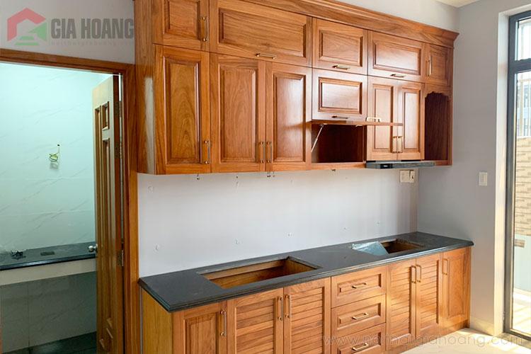 Tủ bếp gỗ Gõ Đỏ dáng chữ I