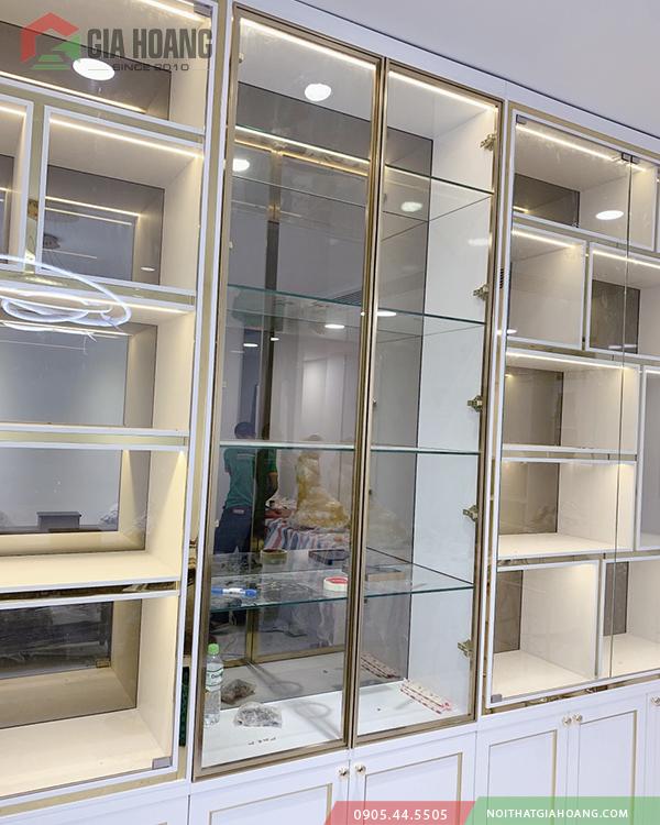 Hoàn thiện tủ trang trí cánh kính - Tủ bán hàng